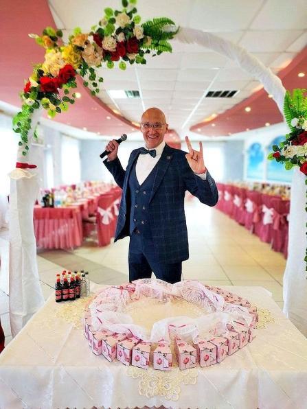 Тамада на Новый год свадьбу юбилей в Минске Заславле