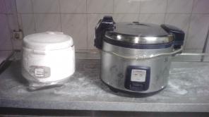 Рисоварка большая и маленькая