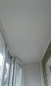Обшивка потолка на балконе или лоджии.