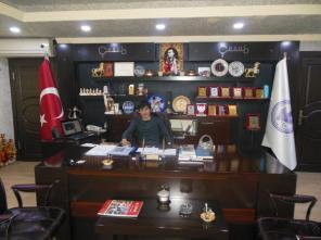 Ведущий на казахском, турецком, английском языках Куаныш