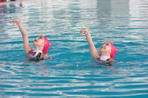СДЮШОР объявляет набор девочек и мальчиков на синхронное плавание