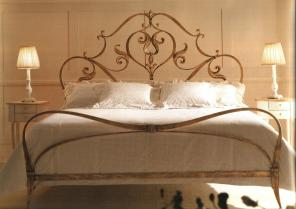 Кованные кровати.