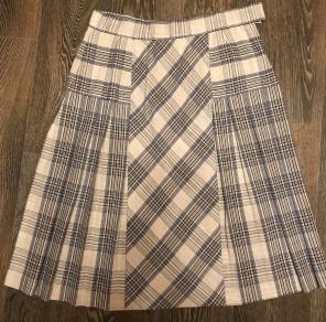 Одежда на девочку размер 42,44: кофты, брюки, пиджаки, юбки итд