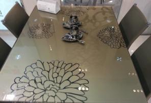 Стеклянный раздвижной стол Анжелика