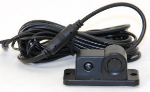 Камера заднего вида со встроенным парктроником.