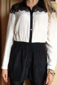 Комбинезон новый размер 42-44: блуза белая и шорты черные