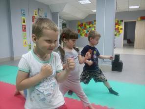 Спорт Борьба секция Универсам Плевен парк Сказка Ростов