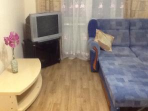 Сдам посуточно в Центре 2- х комн КВ с новым ремонтом Ул Тургенева 92