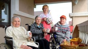 Уход за пожилыми людьми и инвалидами, пансионаты для пожилых