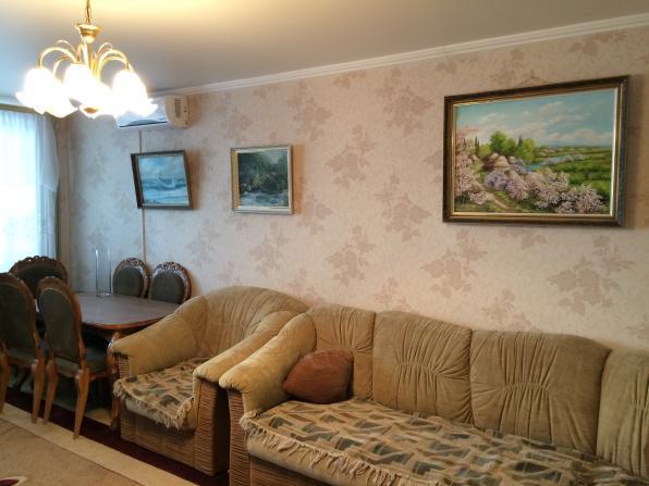Продам двух комнатную квартиру в Севастополе