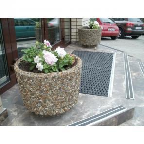 Вазоны бетонные, цветочники парковые, цветники садовые