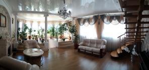 Продается респектабельный дом в Червонном Хуторе.