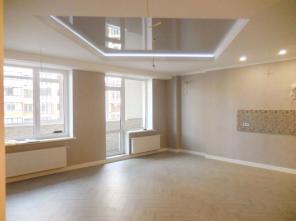 Продается трехкомнатная квартира с ремонтом Фонтан.