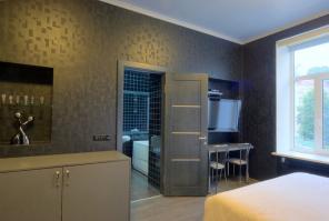 5-комнатная квартира с евроремонтом недалеко от центра