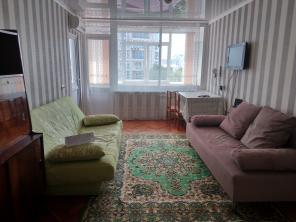 Сдаю постоянно 2-х комнатную квартиру в центре Сочи