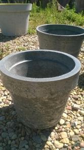 Продам КАШПО ( коллекции) Материал бетон.