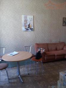 Продам 2-комнатную квартиру в Центре на Пастера.