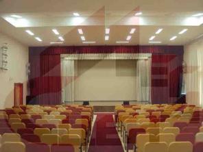 Оформление интерьера театров, кинозалов, актовых залов.
