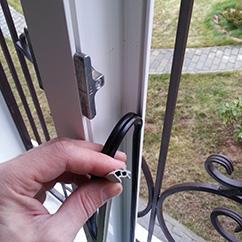 Замена резины на пластиковых окнах. Продажа уплотнителей на окна