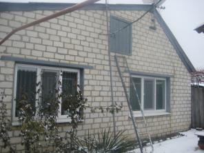 Обменяю дом на 3-х или 4-х комн. квартиру в г. Харьков