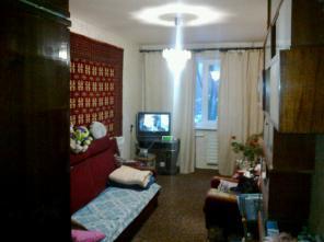 Продам недорого 2 комнатную в р-не ТРК Украина