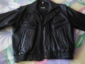 Продам мужскую коженную куртку из Италии