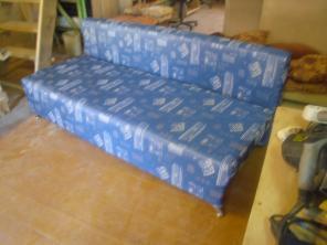 Перетяжка мебели (замена старой ткани)