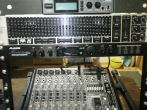 Комплект профессиональной аппаратуры для студии и концерта
