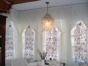 Пошив штор в Краснодаре. Театральные шторы. Кофры. Карнизы багетные