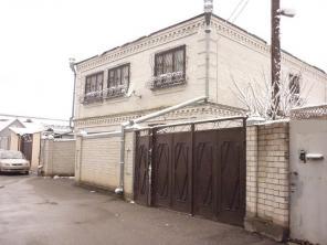 2-х этажный дом пл. 240 кв.м., 12 сот., Пятигорск, район Автовокзала