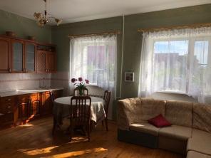 Продам жилой кирпичный дом в центре Великого Новгорода