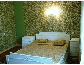 Сдам посуточно 4-к квартиру с 3-мя спальнями и гостиной. Центр Киева