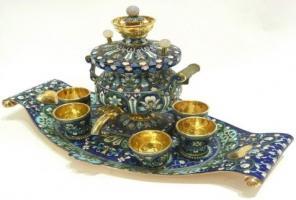 """Частный музей """"Екатерининский"""" оценивает и покупает столовое серебро."""