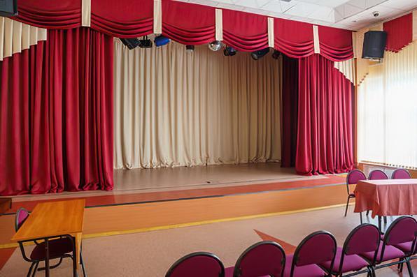 Одежда для сцены зрительных залов.