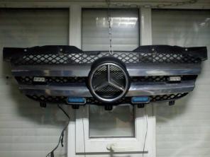 Решетка радиатора Mercedes Sprinter оригинал