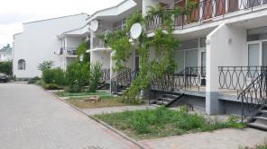 Продаются двухуровневые квартира в Коктебеле 78,5 кв.м. 150 метров от