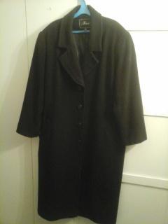 Продам женское демисезонное драповое пальто