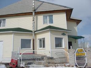 Продам 2х этажный коттедж в Шарыпово Общ. площ. 414м2 Можно на 3 родны
