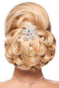 Волосы на заколках для прически на выпускной