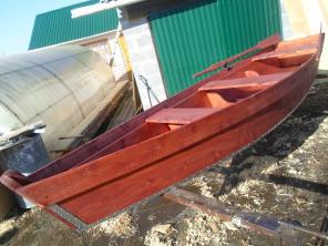 Продам лодку деревянную