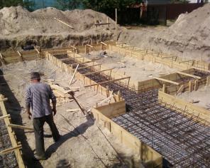 Заливка фундамента под дом или другое сооружение