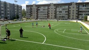 Искусственная трава – идеальное решение для спортивных школьных