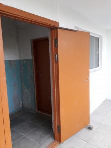 Двери тамбурные деревянные с установкой по г. Екатеринбургу