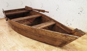 Лодка декоративная для интерьера и экстерьера