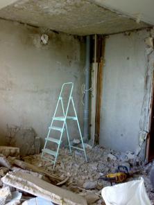 Демонтаж сантехкабин, перегородок в Харькове