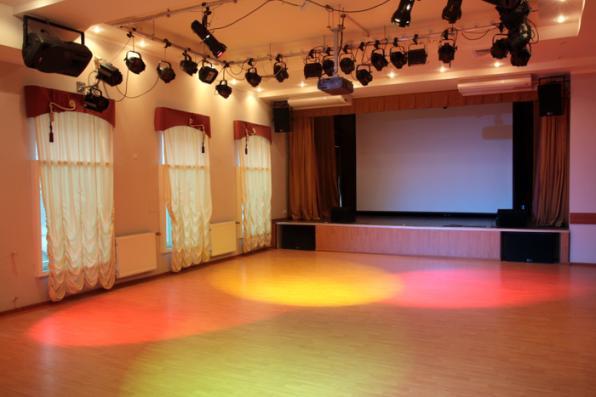 Световое и звуковое оборудование для залов