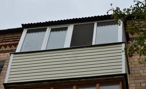 Установка крыши на балконе. Низкие цены.