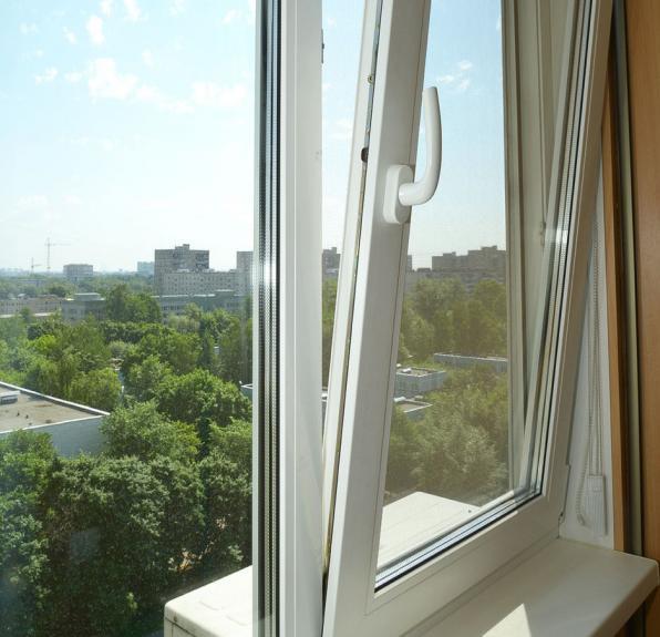 Замена простого открывания створки окна на сложное. Гребешки-фиксаторы
