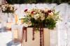Оформление живыми цветами свадебного зала